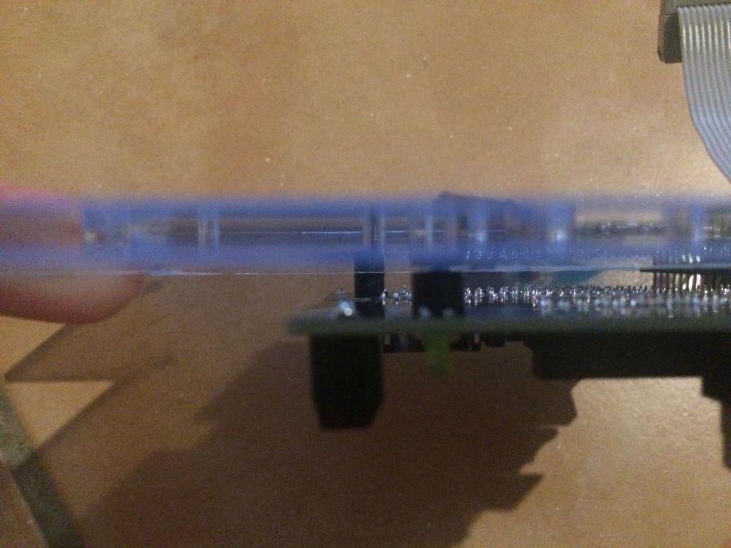 (ohne Direktstecker) Shieldmontage mit 4 Schrauben und Spacern